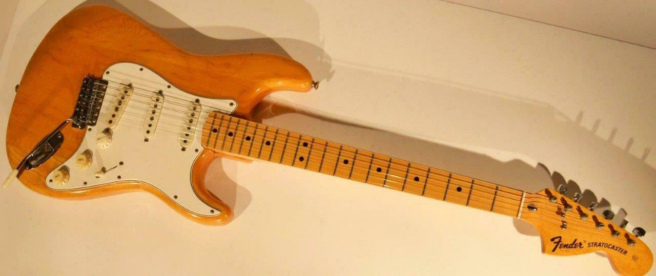 Fender Stratocaster natural original vintage 60s 70s 1966 1967 1968 1969 1970