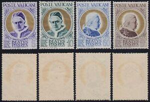 "Vaticano 1951 ""Papa oro"" n.145-148 serie nuova MNH** gomma integra"