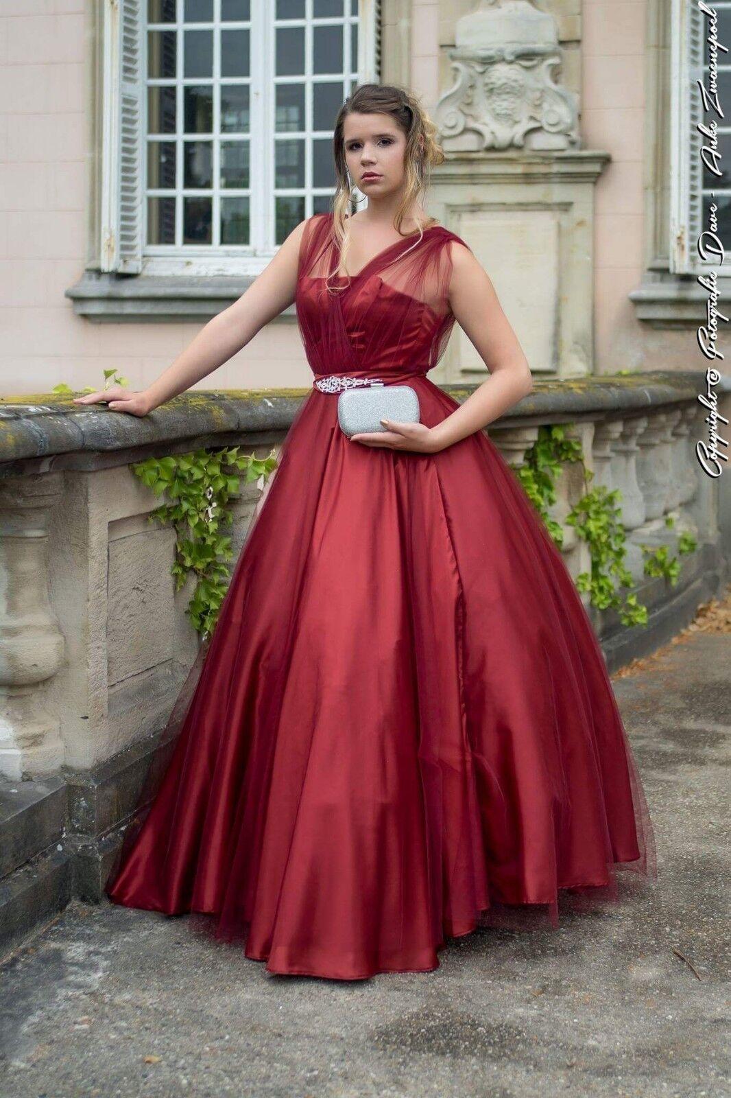 Handmade rojo satin  and tulle ballgown  aquí tiene la última