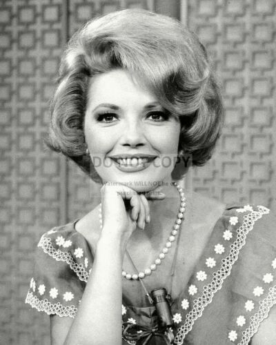 ZY-276 ACTRESS RUTA LEE IN 1972-8X10 PUBLICITY PHOTO