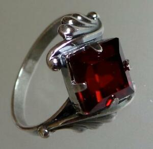 Anillo-De-Cristal-Rojo-ruso-plateado-plata-de-tamano-6-con-plumas