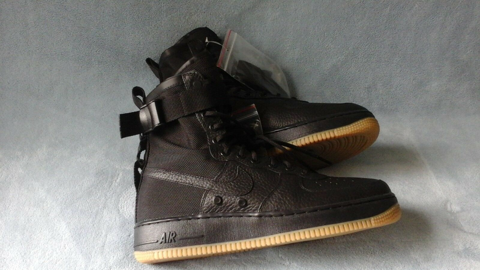 Nike SF AF1 Special Field Triple Black Gum 864024-001 Size 8.5