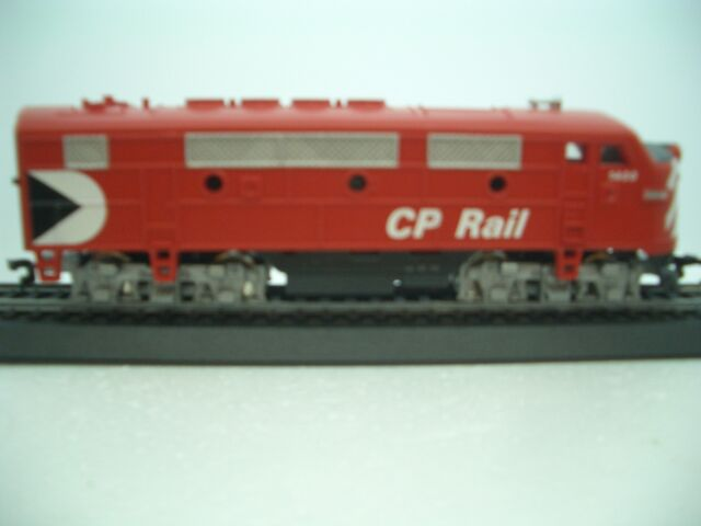 HO Scale Trains Model Power F2 CP Rail LOCO