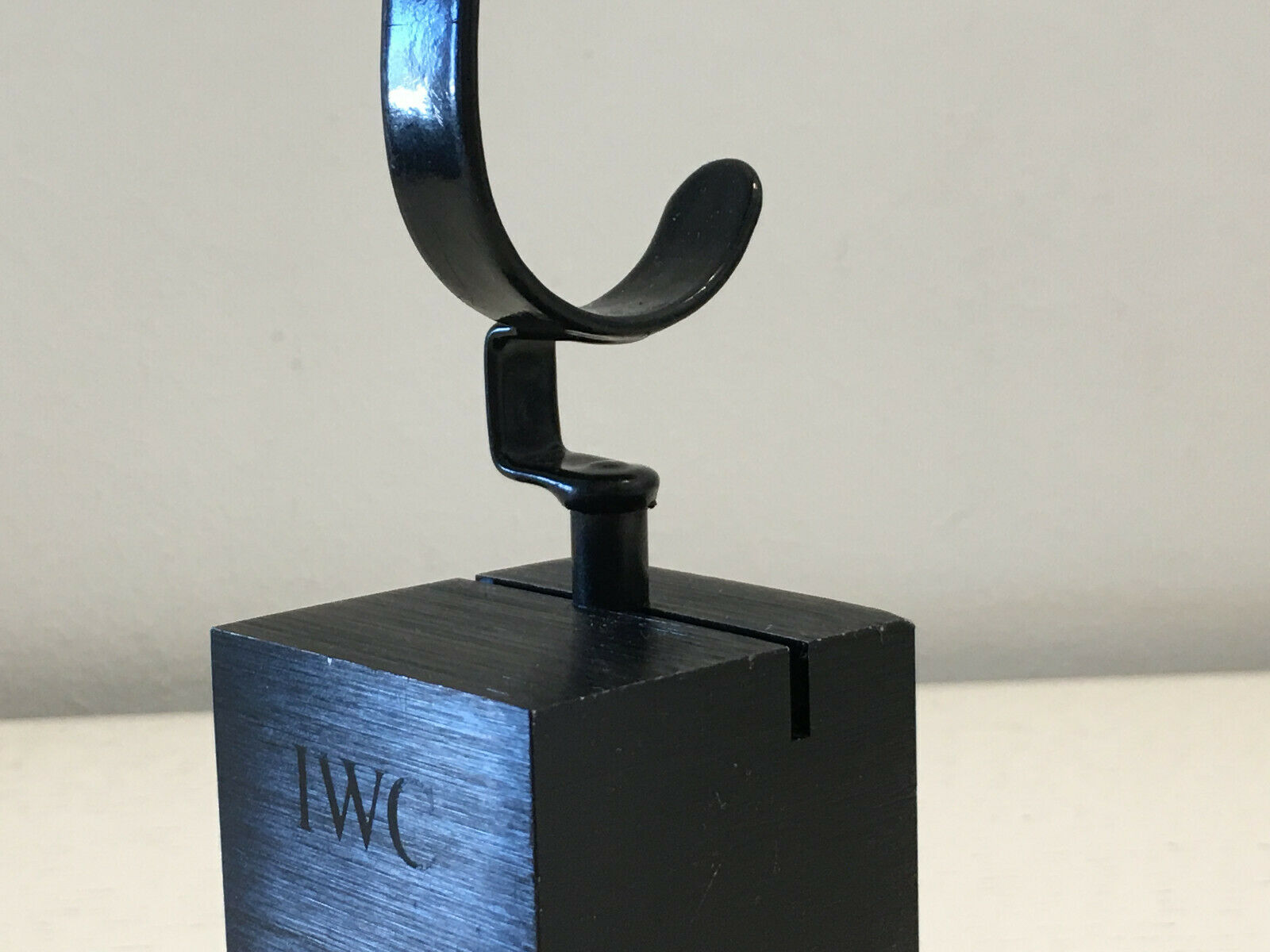 Used - Watch Support IWC Soporte reloj reloj reloj - nero metal - 4 5 x 4 5 x 7 cm - Usado 8eb02e