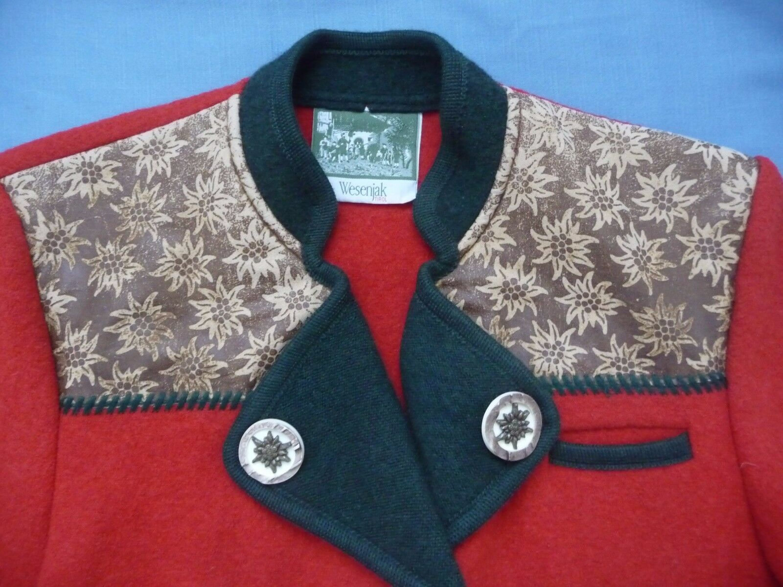 Wesenjak Tipol Sweater Heavy Cardigan Cardigan Cardigan Austria RED Boiled Wool Ornate Buttons WoW 2fde90