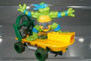 Scalextric-TMNT-Turtles-Slot-Car-Leonardo-auf-Skateboard