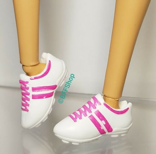 MATTEL SOCCER CLEATS SHOES BARBIE FASHIONISTAS SPORTS FASHION FOOTWEAR ACCESSORY