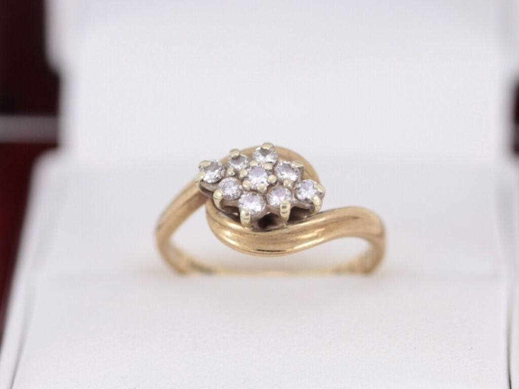 Diamond Cluster Ring 9ct gold Ladies Engagement Size M 1 2 N8