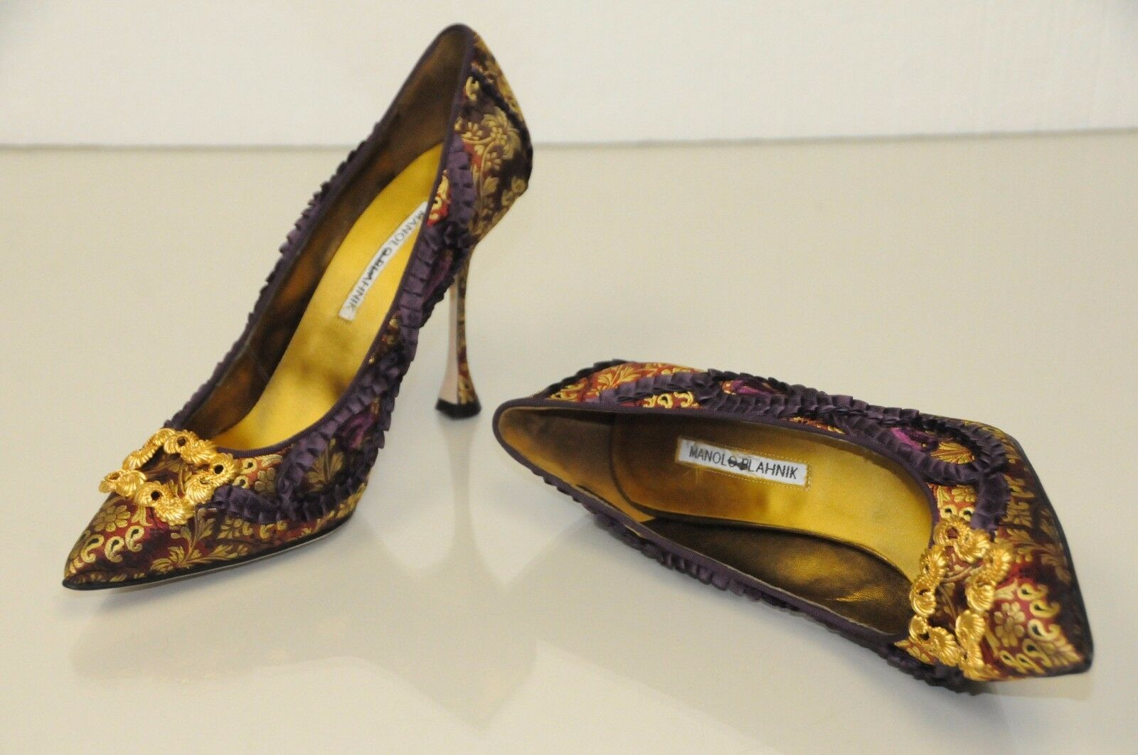 1235 New lila Manolo Blahnik TRADI Gold brocade lila New Jeweled schuhe Pumps 40 41 268ac1