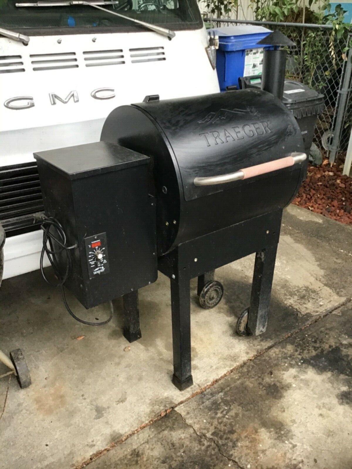 Traeger Pellet Smoker Grill Lil/' Tex 22 Medium Insulation Blanket Kit BAC344 New