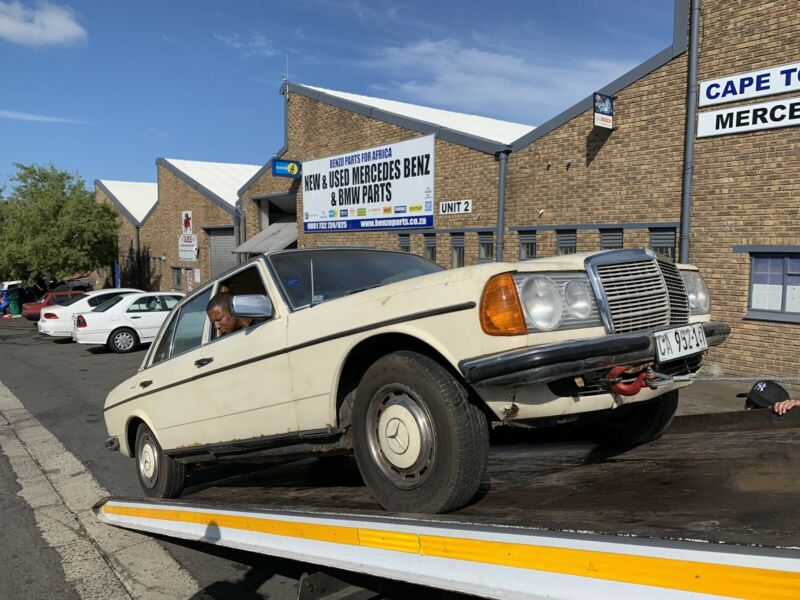 BENZO PARTS NOW STRIPPING: 1978 MERCEDES-BENZ 250 PETROL AUTO W123 SERIES |  Bellville | Gumtree Classifieds South Africa | 476902839