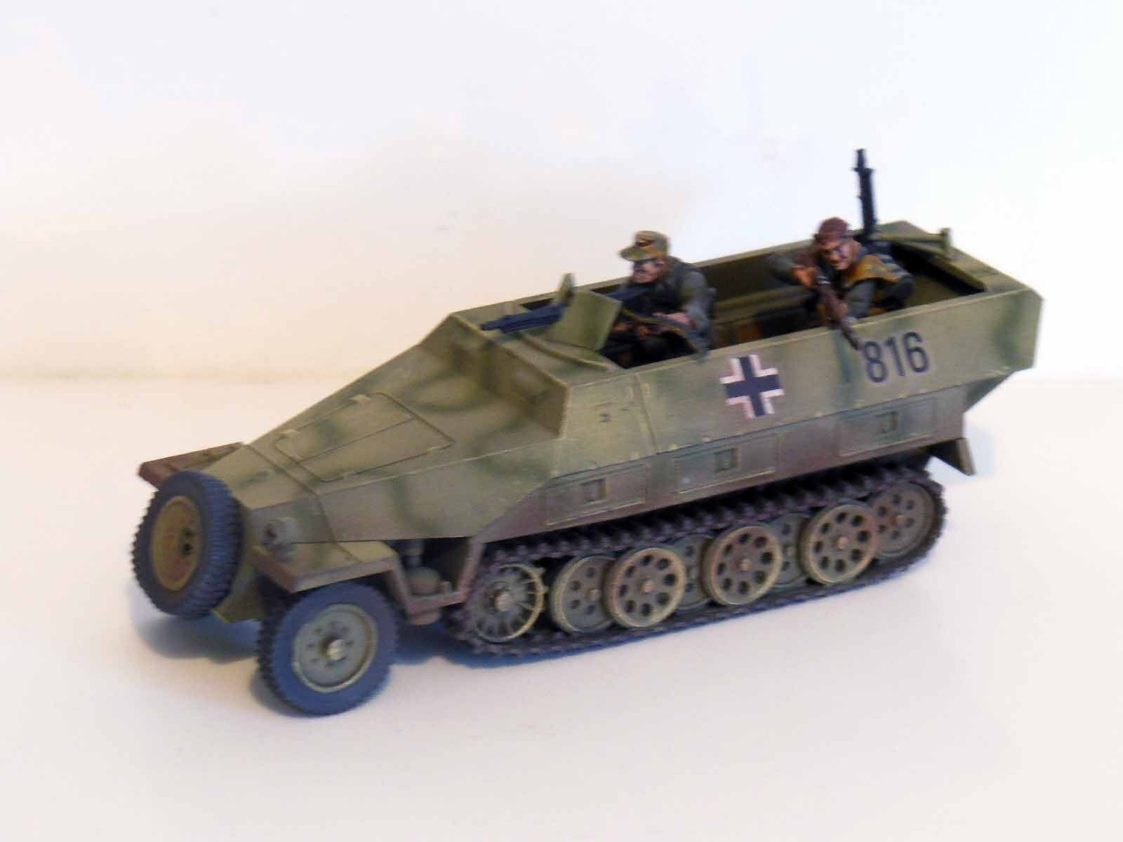 28mm Bolt Action Chain Of Command German Hanomag 251 With Crew - Painted