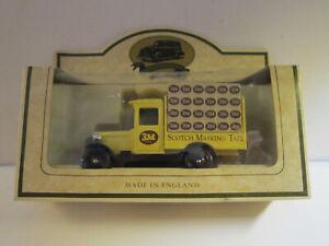 Scotch Masking Tape, 3M, Modellauto, England - Berlin, Deutschland - Scotch Masking Tape, 3M, Modellauto, England - Berlin, Deutschland