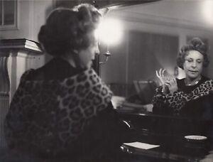 Pablo-Volta-Leni-Riefenstahl-1902-2003-Paris-1960