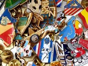 Pins-pin-039-s-DIFFERENTS-CLUBS-vintage-et-recent-football-ultras-foot-collection