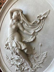 Stucco-Fassaden-Medallion-034-tanzende-Venus-034-oval-38x31-cm-101-235B-aus-Beton