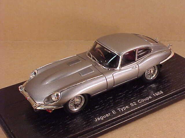 Spark #S2128 1/43 Résine 1968 Jaguar E Type S2 S2 S2 Coupe avec Rhd , Argent | Soldes  | Exquis  | Qualité Et Quantité Assurée  | Exquise (in) De Fabrication  c21fb5