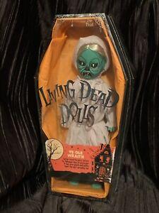 Living-Dead-Dolls-Ye-Ole-Wraith-Variant-Series-32-Halloween-Doll-sullenToys