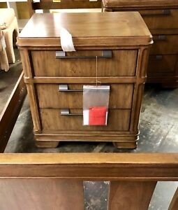 Image Is Loading Thomasville Furniture Emerge Bedroom 3 Drawer Nightstands Set
