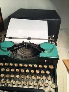 Royal P 1930 Typewriter Green Portable Manual Case Working Vintage Case Too