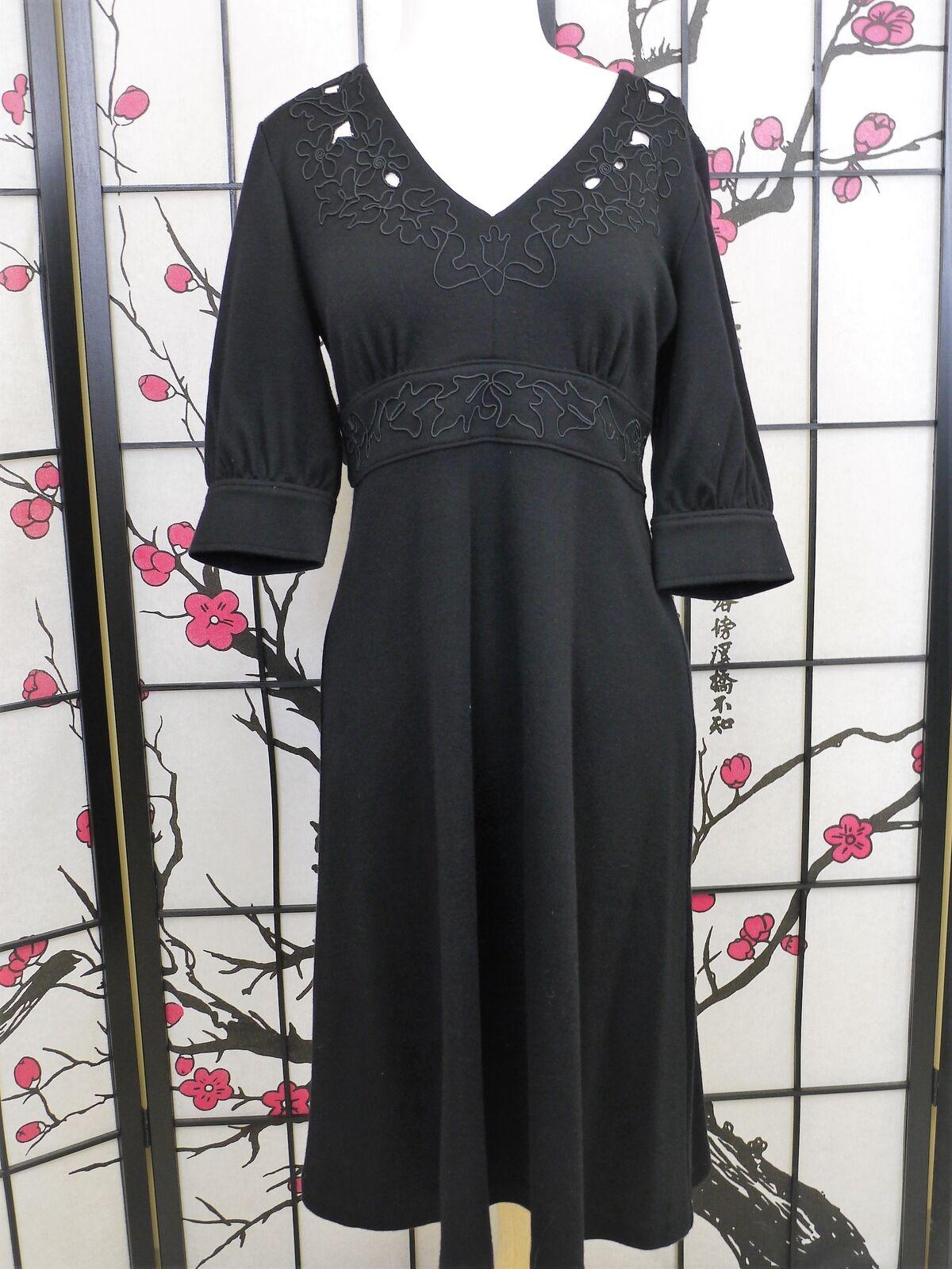 Cynthia Steffe Größe M schwarz Wool Dress Long Embroiderot Cut Outs