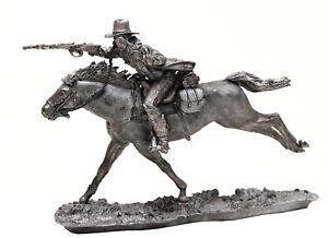 CAVALRY-1-32-SCALA-Wild-West-Cowboy-GALOPPA-A-CAVALLO-TIN-TOY-SOLDIER-54mm