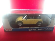 NEW Maisto MINI COOPER 1//18 SCALE DIECAST MODEL CAR BY MAISTO YELLOW  2 DAY GET