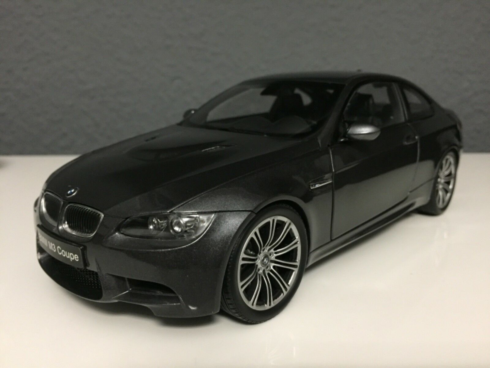 BMW M3 E92 Coupe Grey 1 18 Kyosho