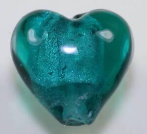 Beads-Perlen-Glasperlen-EMERALD-HEART-8-Stueck