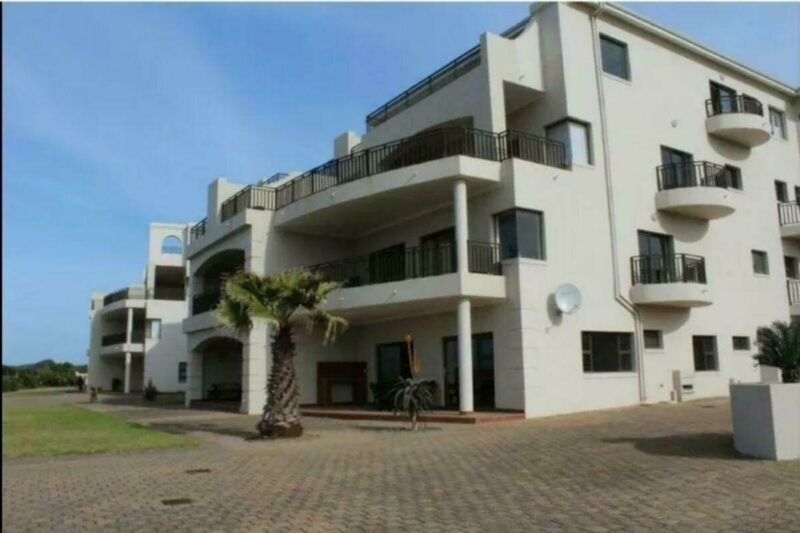 2 Bedroom ground floor apartment in sought after Flame Lily Terraces