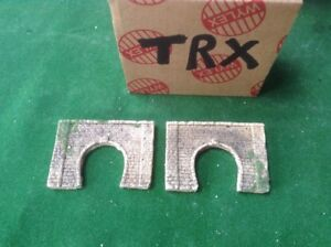 2 X Z Scale Brick Type Single Track Tunnel Portals  Painted - With Foliage  TRX