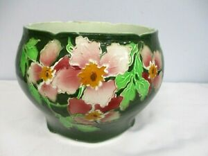 ANTIQUE-ST-CLEMENT-FRENCH-MAJOLICA-GREEN-w-PINK-FLOWER-BLOSSOM-CACHE-POT