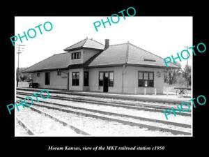 OLD-LARGE-HISTORIC-PHOTO-OF-MORAM-KANSAS-THE-MKT-RAILROAD-STATION-c1950-2