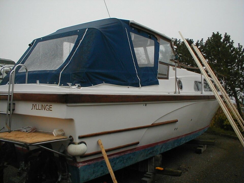 Motorbåd 31 fod RLM 1977 model Bahama.