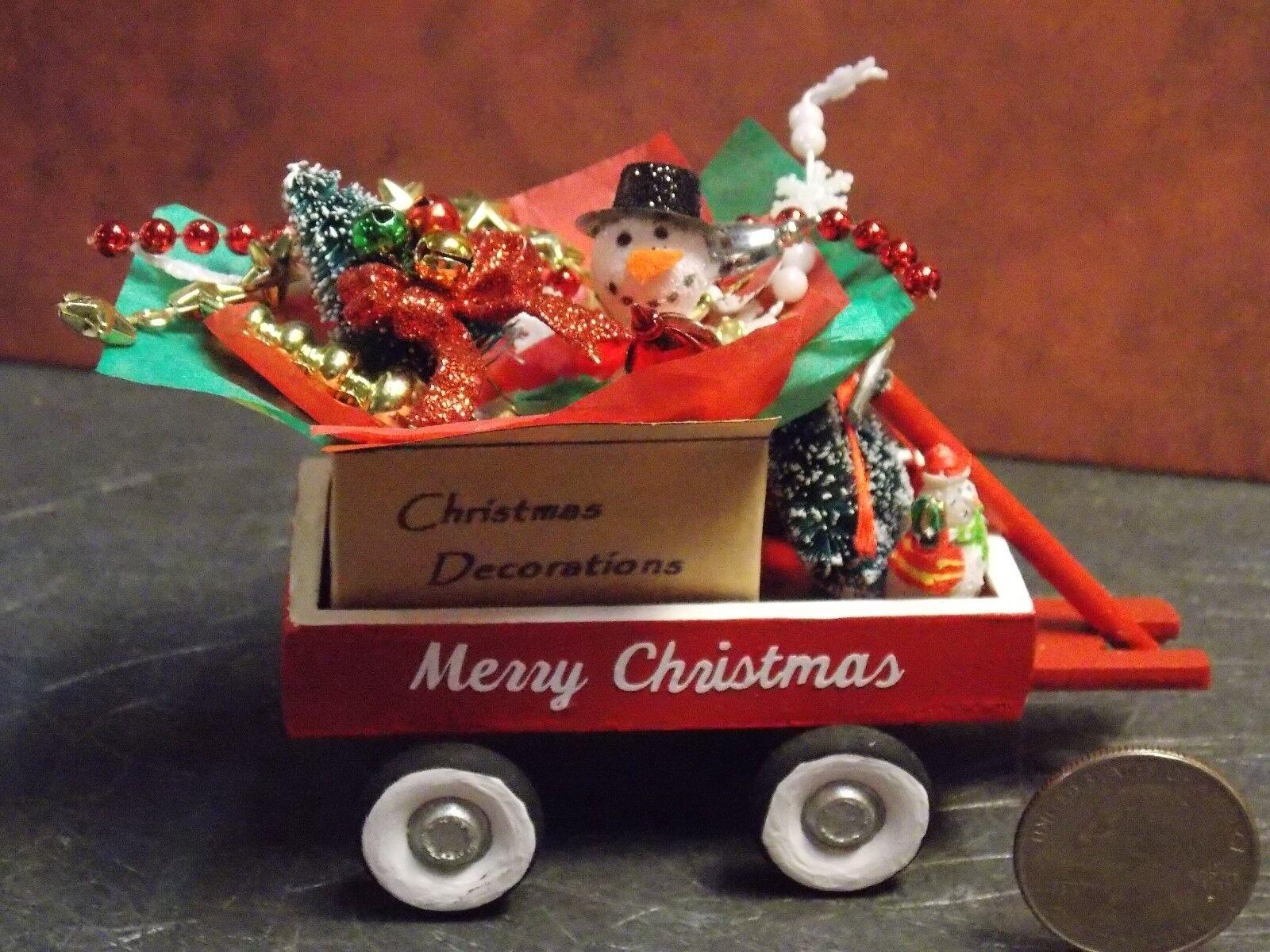 Dollhouse Miniature Christmas Wagon Decor A 1:12 inch scale F57 Dollys Gallery