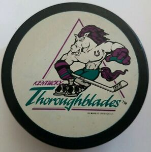 KENTUCKY-THOROUGHBLADES-AHL-OFFICIAL-MADE-IN-SLOVAKIA-VEGUM-HOCKEY-PUCK-VINTAGE