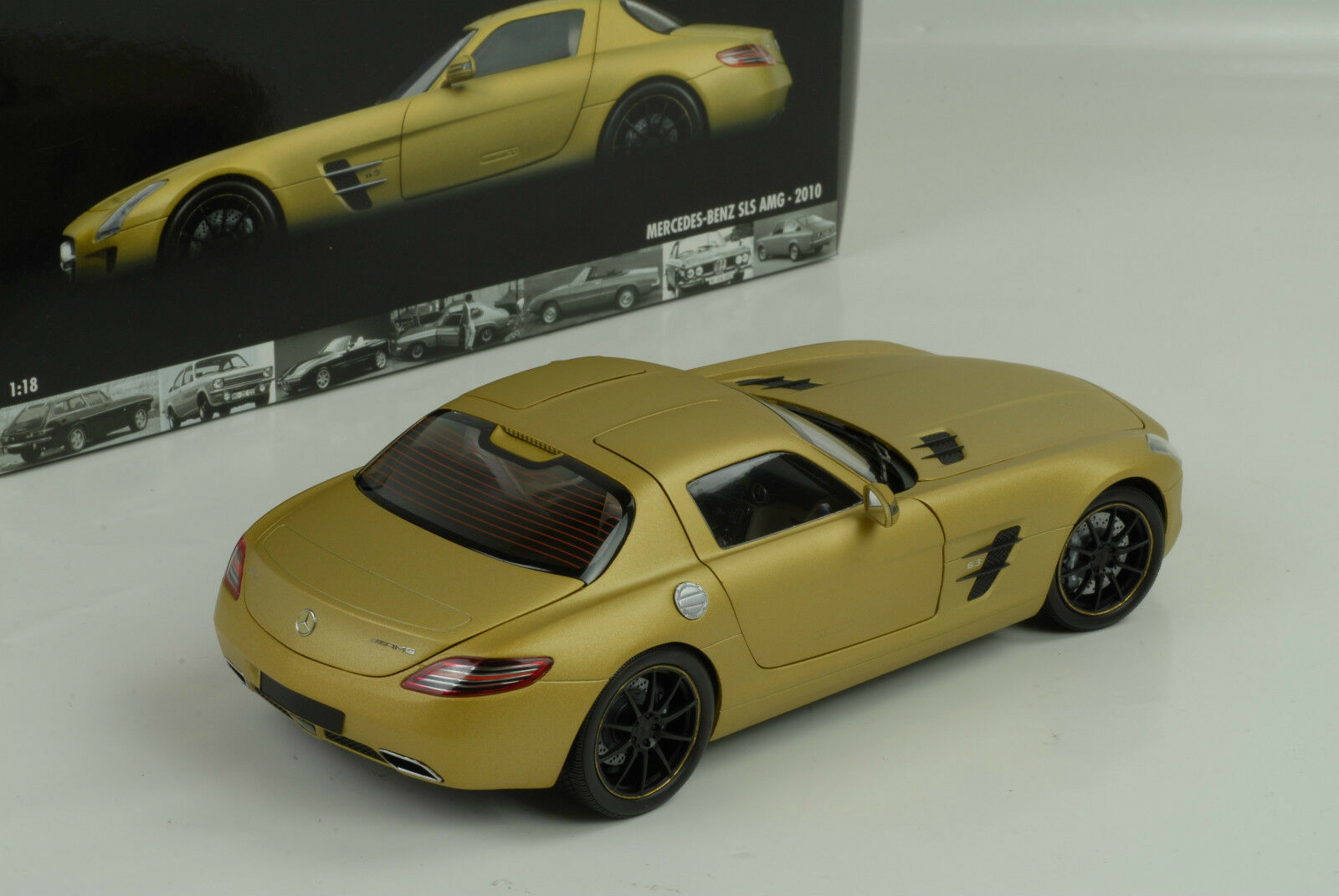 Mercedes - benz sls amg r197 2010 flachem Gold 1,18 minichamps