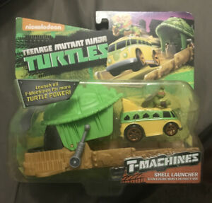 Teenage Mutant Ninja Turtles T-Machines Turtle Shell Launcher with Michelangelo