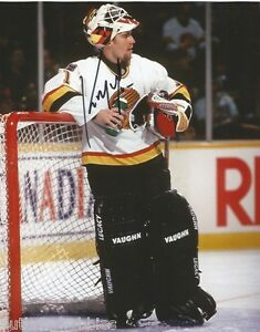 Vancouver-Canucks-Kirk-McLean-Signed-Autographed-8x10-Photo-COA-G