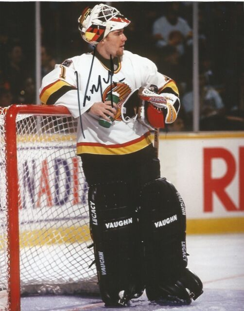 Vancouver Canucks Kirk McLean Signed Autographed 8x10 Photo COA G