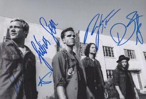 KALEO-1-Foto-20x30-8-034-x12-034-komplett-signiert-IN-PERSON-Autograph-signed-Autogramm