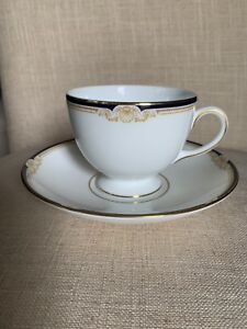 Wedgwood-Cavendish-Fine-English-Bone-China-Leigh-shape-Cup-And-Saucer-R4680
