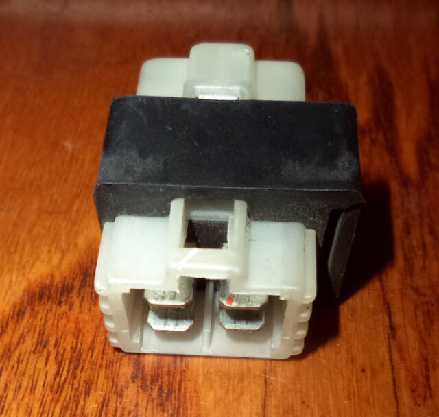 Savage Ls 650 Ls650 Main Fuse Box 20 Amp Fuse Holder Relay Suzuki