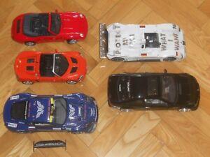 Lot Nº1 formé par 5 voitures à l'échelle 1:18.