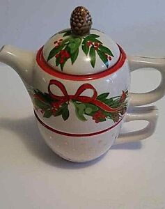 Harry and David Christmas Teapot and cup,\