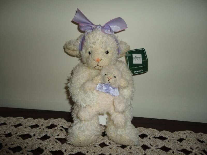 Russ Berrie LAMBKINS Mother Sheep & Baby Lamb w Tags