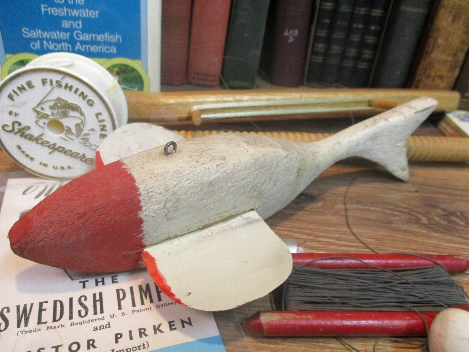 Wood fish decoy ice fishing SPEARING lure WOODEN  Minnesota HAND carved vintage