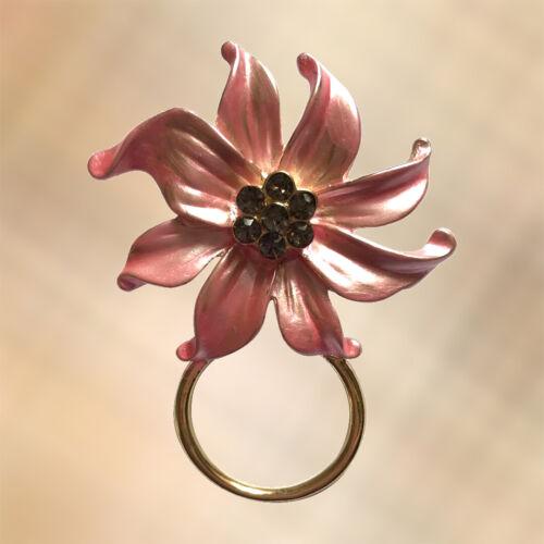 NEW Pearlised Pale Pink /& Crystal Flower Glasses Hanger Brooch Pin Holder
