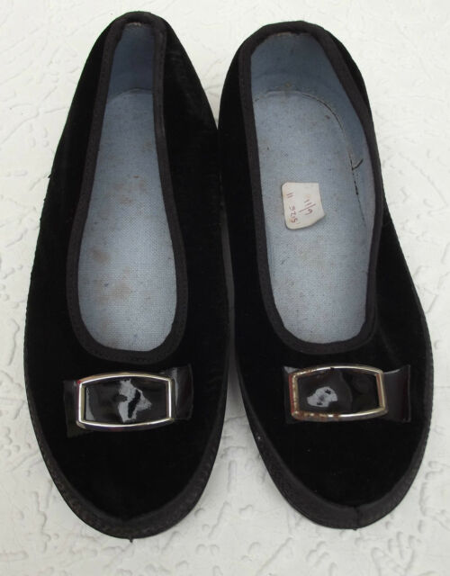 Vintage velvet slippers Dance stage gym shoes school uniform UNWORN size 11 daps