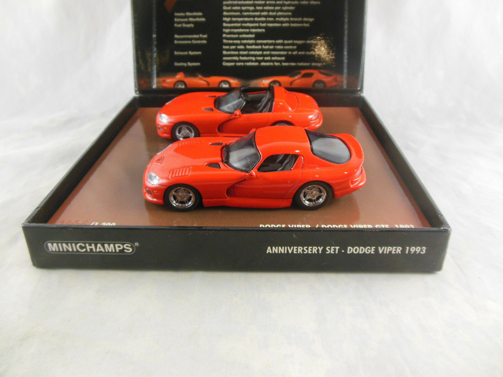 Rare Minichamps 436 144000 Dodge Viper 1993 - 2003 10th Anniversary Set in Red